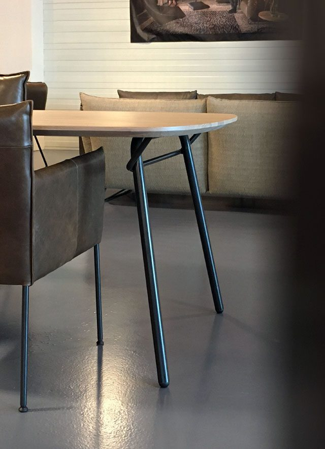 Vain table