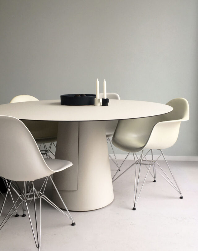 Dine table